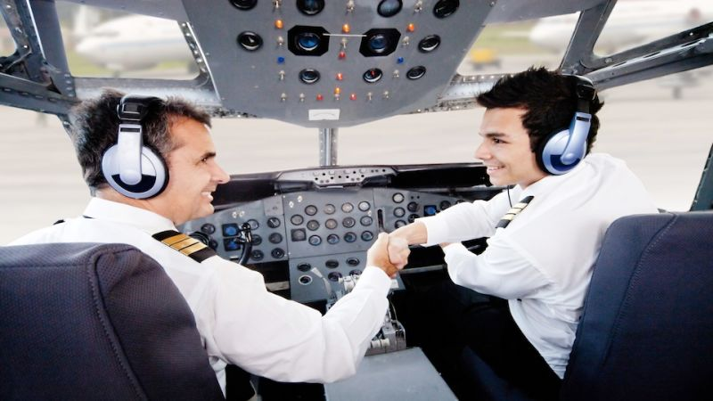 f011f787bf037 Como se tornar um piloto de avião  qualificações, networking, e  certificações!